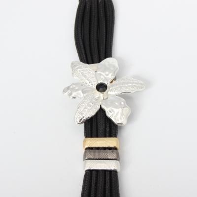 Luxus Armband Blumen Design mit Strass Farbe Silber Schwarz mit Magnetverschluss - 2