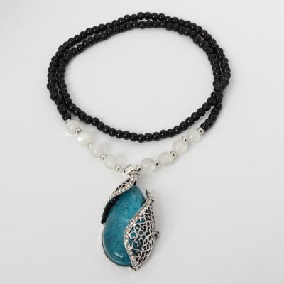 Halskette mit Perlen und Designer Anhänger Geschenkidee Strass Ornamente Mehndi - 1
