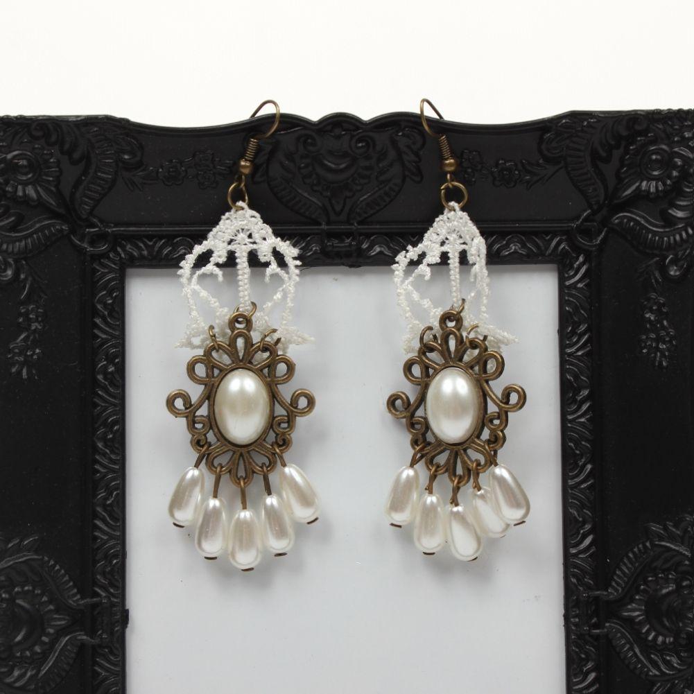 sch ne gothic ohrringe mit perlen der. Black Bedroom Furniture Sets. Home Design Ideas